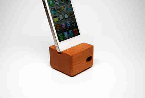 The Acoustik iPhone dock