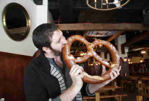 Reichenbach Hall - Andrew Zimmer and the giant pretzel