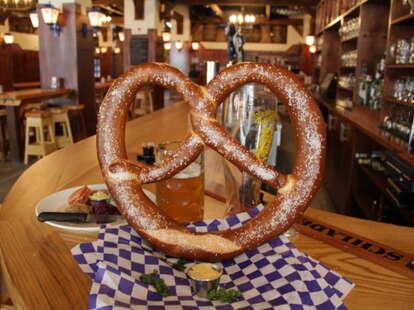 Giant pretzel at Reichenbach Hall