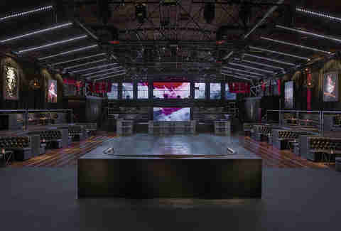 Create Nightclub, center table, in Los Angeles
