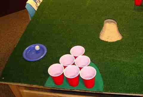 Golf beer pong table