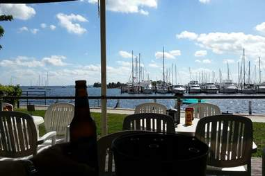 Outdoor seating at Scotty's Landing
