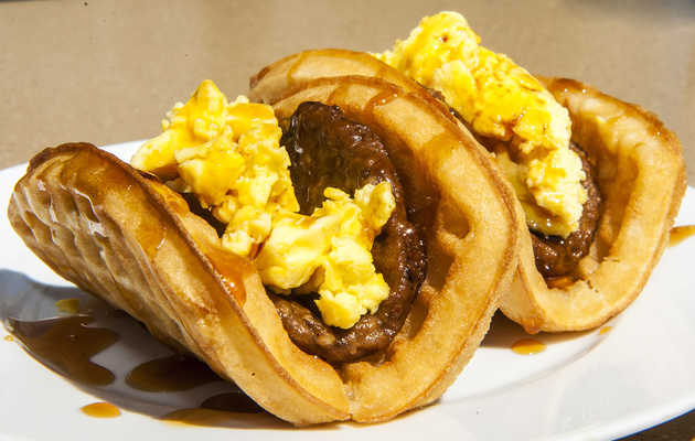 Tasting T-Bell's waffle-wrapped, syrup-topped breakfast taco