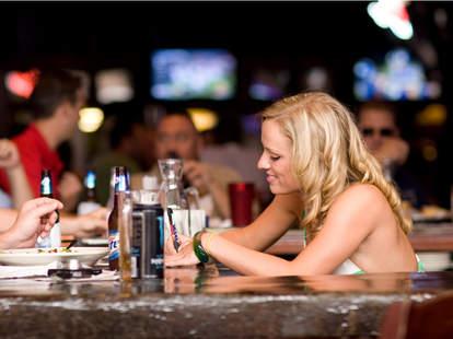 atlanta Bikini waitresses