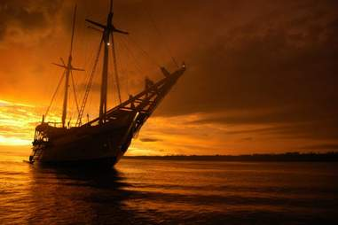 Silolona Phinisi Sunset