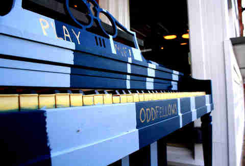 A blue piano at Oddfellows