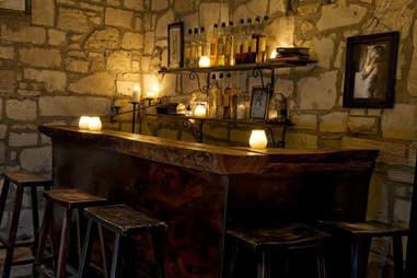 Bar Ilegal in Austin Texas