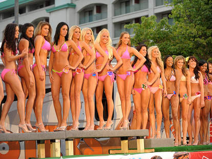 Hooters International Swimsuit Pageant contestants modeling bikinis