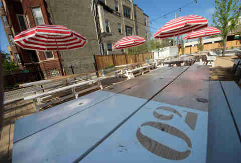 The patio at Parson's Chicken & Fish in Chicago