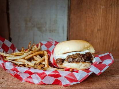 Li'l Woody's burger