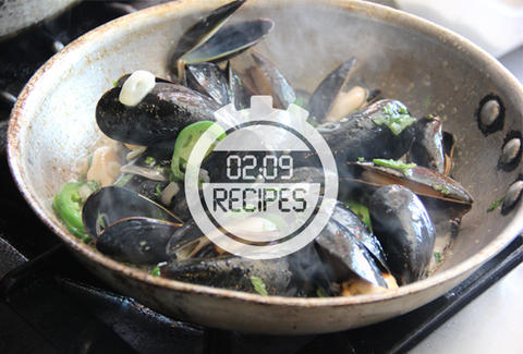 mussels with jalapeno mint butter
