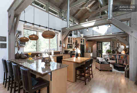 AirbnBest: The Bridge House Kitchen