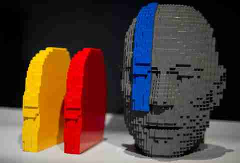 Lego sculpture at Art of Brick, Nathan Sawaya