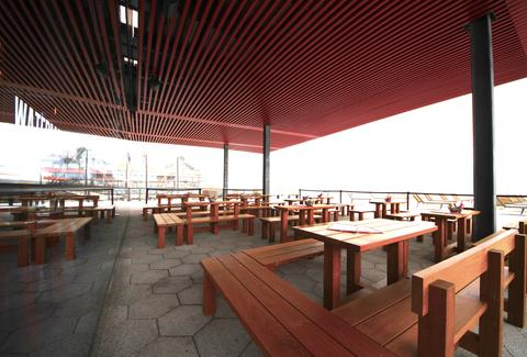 Watermark Bar Lounge Summer Destination For Outdoor Drinking And Boat Watching At The South