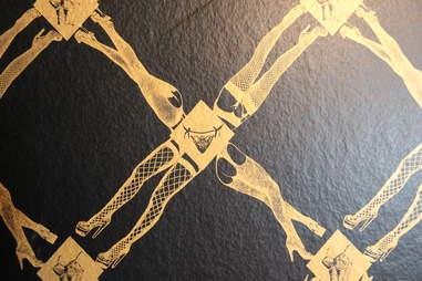 Sexy wallpaper at Novela