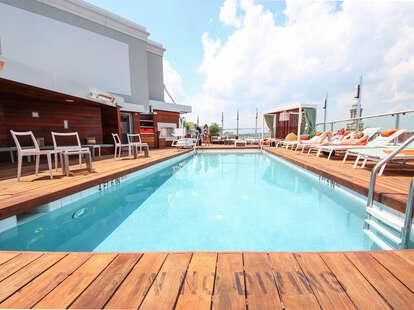 DNV Rooftop Pool Bar Main