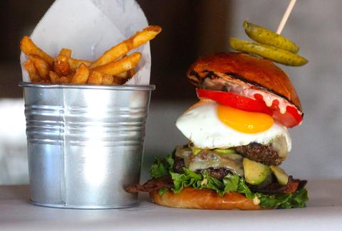 1hundred bistro burger