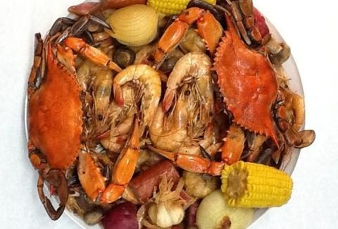 shrimp, crab, corn, onion, seafood