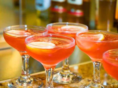 pink drink, cocktail, lemon