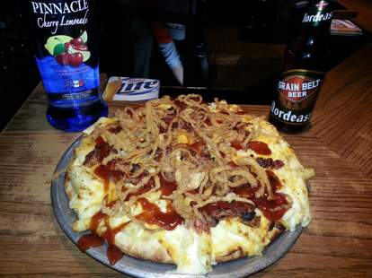 heesy Mac and Rib Melt Pizza with Bourbon BBQ Sauce and Tabasco Fried Onions