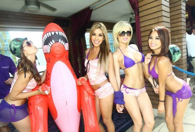 Your handy guide to all of Vegas\'s topless pools