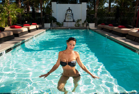 Topless Pool Las Vegas A Complete Guide Photos Thrillist