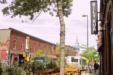 Montreal, bar, Bily Kun, Plateau