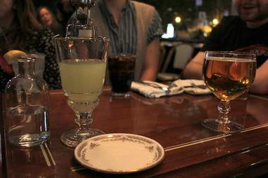 Montreal, downtown, bar, Dominion Square Tavern, absinthe, pub grub