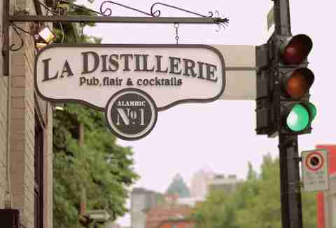Montreal, bar, La Distillerie, big drinks, mason jar drinks