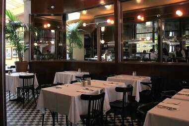 L'Express, Montreal, French bistro