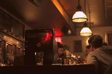 Montreal, Sparrow, bar