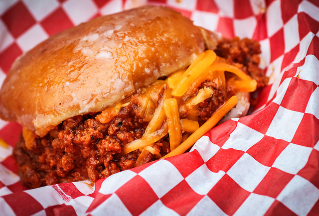 Here\'s the best photo you\'ll see of the Krispy Kreme Sloppy Joe from the San Diego County Fair