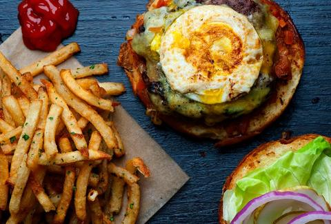 Burger with tilamook cheddar, crispy bacon and fried egg