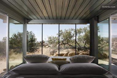 off-grid house bedroom