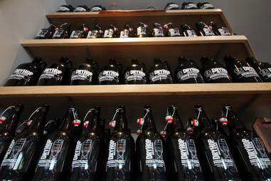 Growlers at Dryhop Brewers in Lakeview