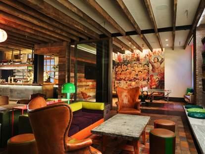 Pod 39 Hotel Interior