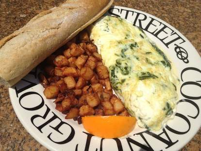 Omelet and hash browns at Green Street Cafe