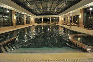 Chinar Hotel & Spa Naftalan pool