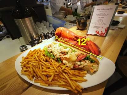 Footlong Lobster Roll From Cull & Pistol