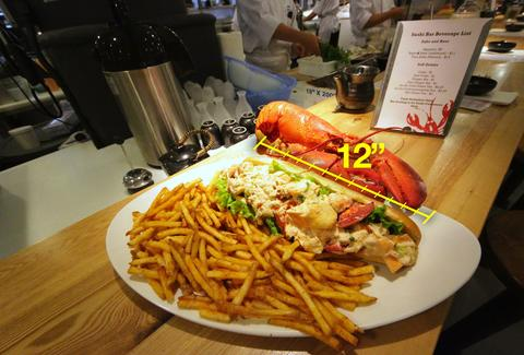 Footlong Lobster Roll From Cull & Pistol