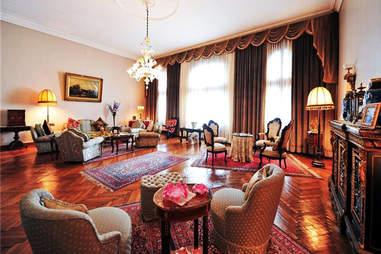 Mansion Living Room, Parlor