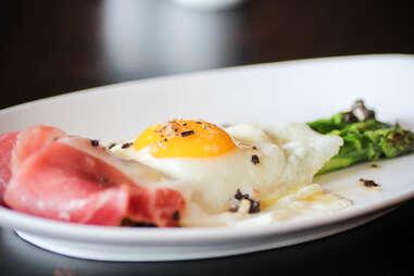 Arcuri Egg