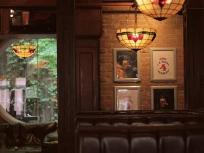 Montreal, bar, Le Saint Elizabeth, terrace, vines