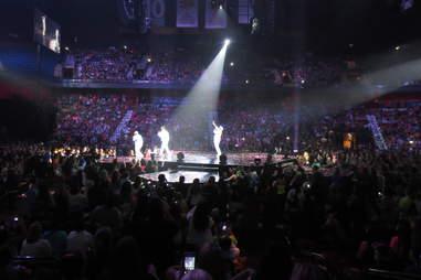 NKOTB/Boyz II Men Package Tour -- Boyz II Men
