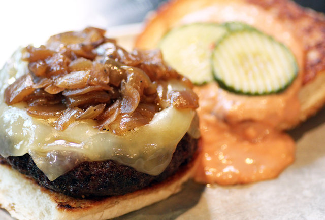 These are the 33 best burgers in the entire country