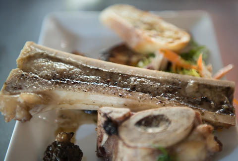 Le Zinc Roasted Bone Marrow