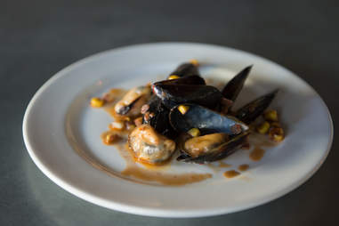 Le Zinc Mussels
