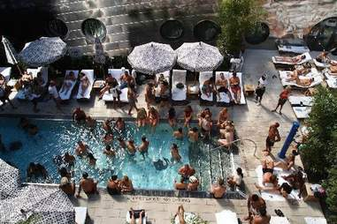 the dream downtown pool