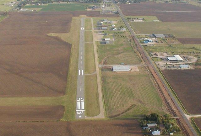 14 terrifying airport runways