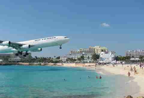 plane at princess Juliana International Airport